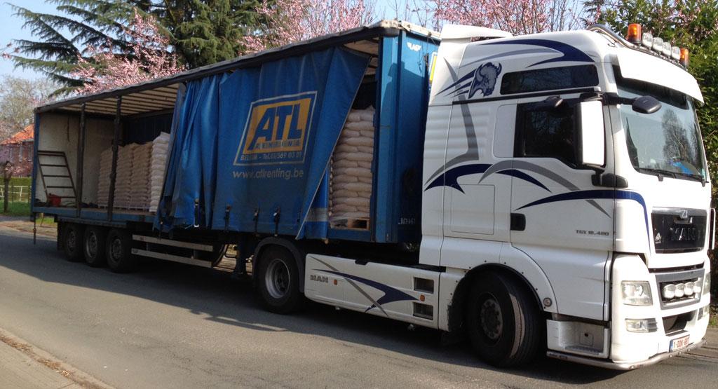 Camion de livraison de pellets